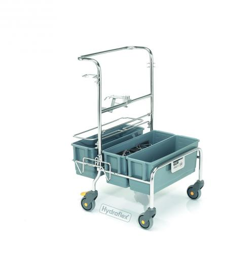 Clean room cleaning trolley with mop wetting system